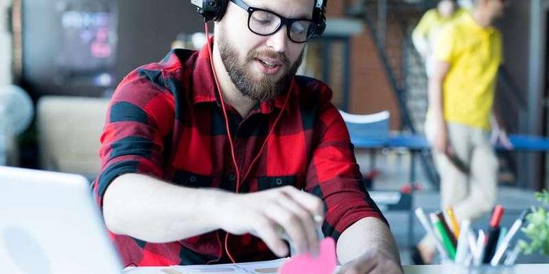 Яка музика посприяє продуктивній роботі