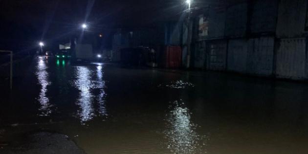 У Чернівцях та на Буковині через опади підтопило вулиці