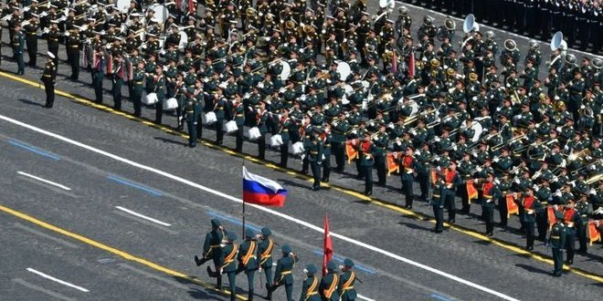 Путін попри пандемію COVID-19 проводить парад у Москві: фото, відео