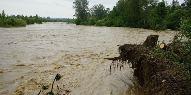Негода в Україні: підтоплені 285 населених пунктів, зруйновані 64 мости