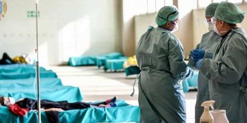 В Україні розгортають лікарні другої хвилі через зростання кількості хворих COVID-19
