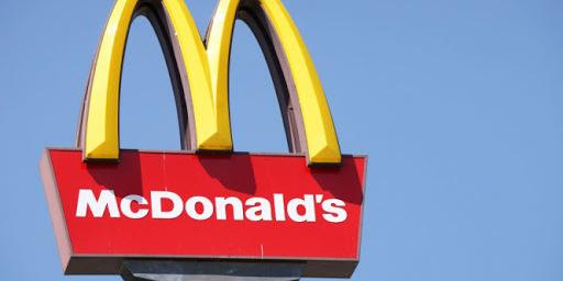 Український МакДональдз відмовився від пластикових стаканів