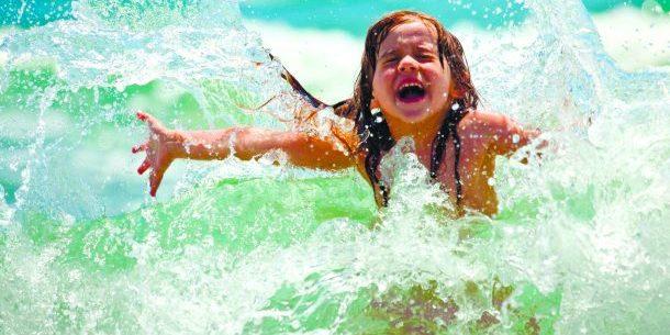 Чи можна заразитися коронавірусом під час купання в морі, річці, басейні