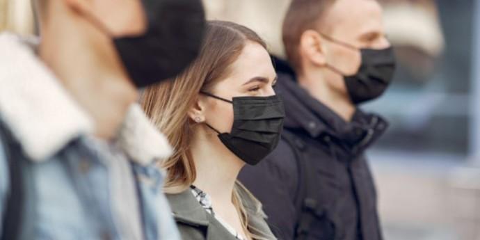Уряд запровадив штрафи за відсутність масок у громадських місцях