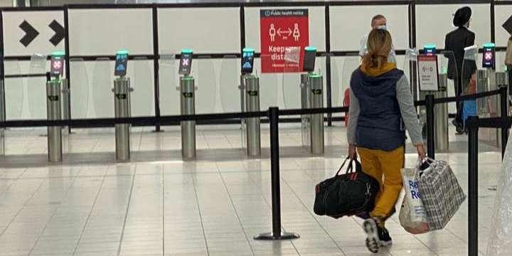 Помилки в роботі авіакомпаній: у МЗС пояснили затримання українців в аеропорту Афін