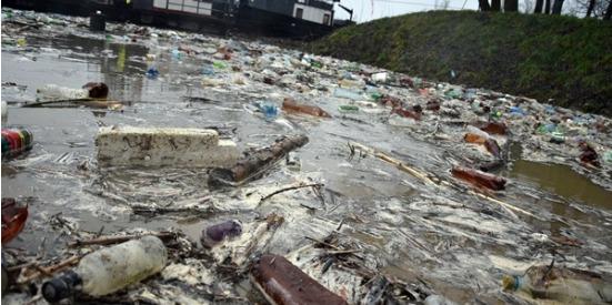 Сміття із закарпатських річок знову вийшло на міжнародний рівень