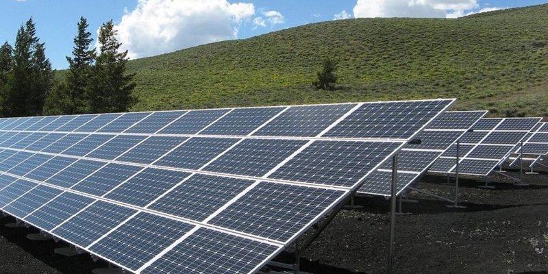Нафтогаз запустив першу сонячну електростанцію у Харківській області