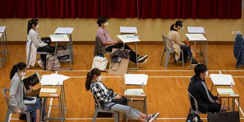 Гонконг закриє всі школи через спалах коронавірусу