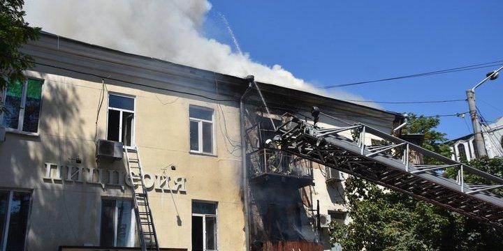 Десятки мешканців потребують відселення зі згорілої 200-літньої будівлі в Одесі