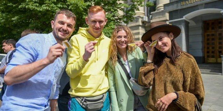В Україні знімають поліцейську комедію «Бурштинові копи»
