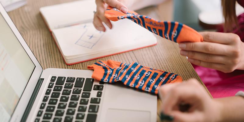 Український бренд випустив шкарпетки, дизайн яких створили діти-сироти