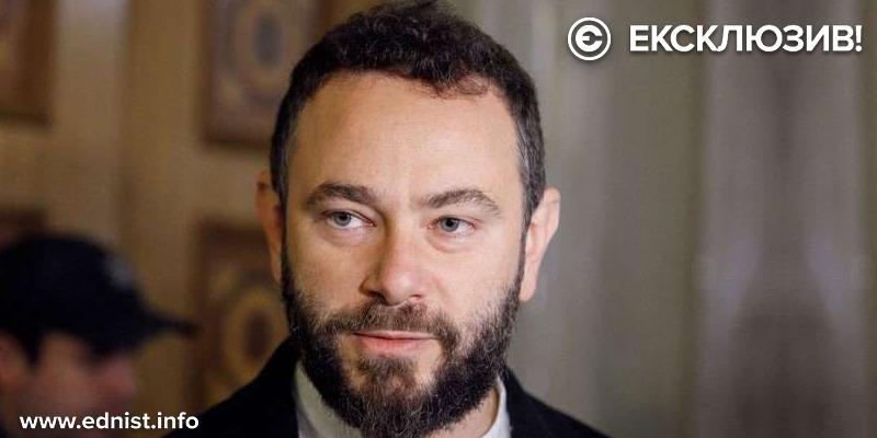 Олександр Дубінський: «Коли тема мови використовується політиками, це сильно паралізує українське суспільство»