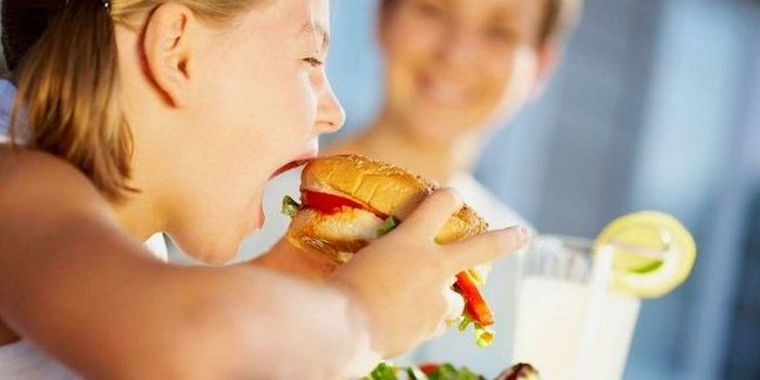 Британія оголошує війну «сміттєвій їжі» для боротьби з ожирінням