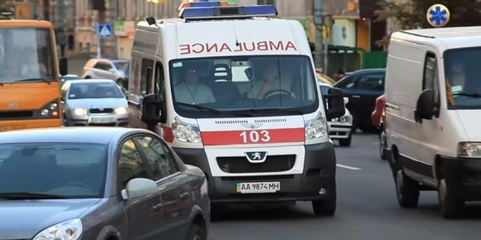 Медикам та водіям «швидкої» мають підняти зарплати – Степанов
