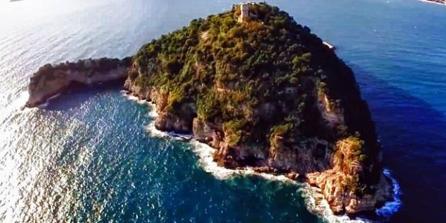 Син олігарха Богуслаєва купив острів в Італії за €10 мільйонів