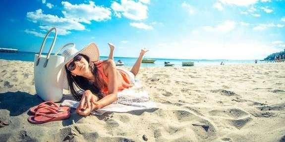 Дві третини (66%) українців цього літа не збираються і не були у відпустці