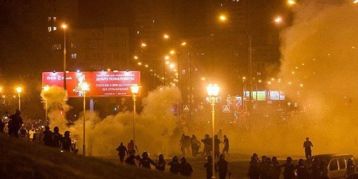Гаряча ніч в Білорусі. Фото та відео