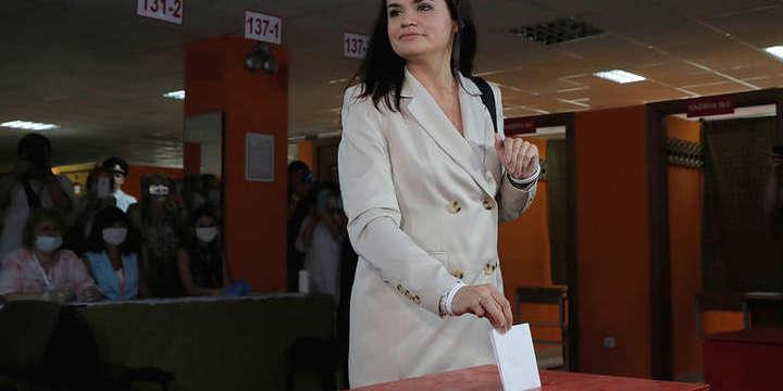 Штаб Світлани Тихановської повідомив, що вона перемогла на 20виборчих дільницях в Мінську