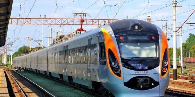 Укрзалізниця запустила систему знижок на квитки швидкісних потягів Інтерсіті