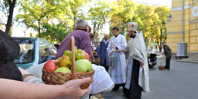 На Київщині обмежать проведення релігійних свят через коронавірус