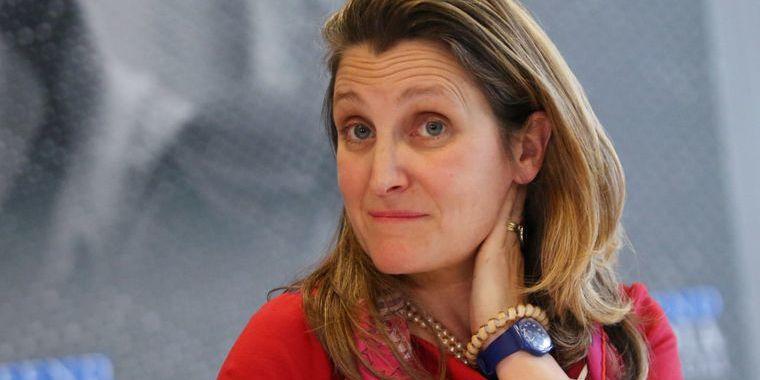 Українка за походженням Христя Фріланд стала першою жінкою-міністром фінансів Канади: що про неї відомо