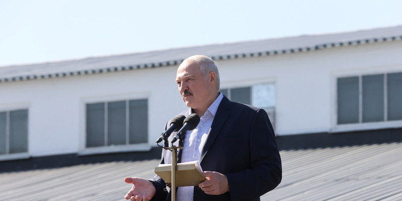 Лукашенко звільнив посла, який публічно підтримав протестувальників