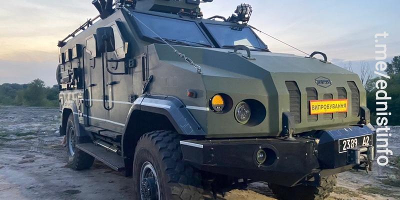 На Оболоні з'явились військові автівки. Що відбувається?