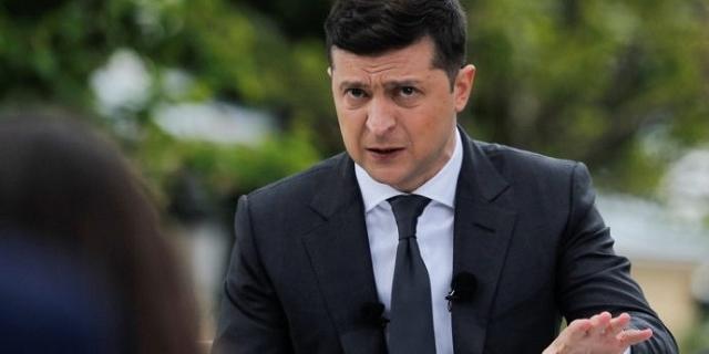 Зеленському не довіряють майже 50% українців – опитування