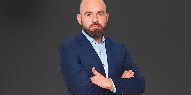 Павло Казарін: «Зеленський - випадковий президент, який зіграв у чужу гру і опинився в чужому сценарії»