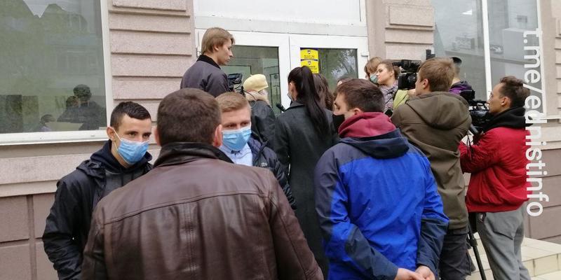 Правоохоронці вилучили списки, за якими підкупила виборців партія «Єдність Олександра Омельченка», - джерело