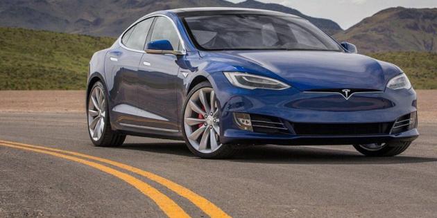 Tesla відкликає майже 30 тисяч електрокарів
