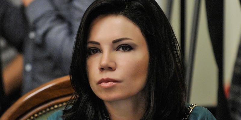 Вікторія Сюмар: «Чоловік в 42 вирішив, що «він не лох» і може керувати державою»
