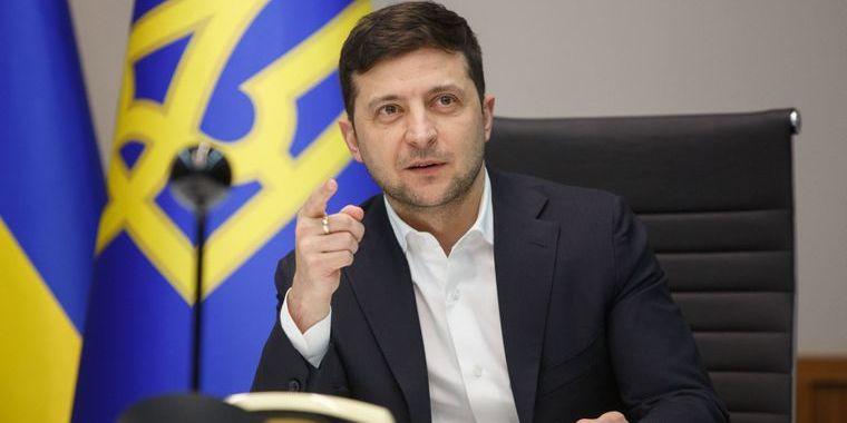 Володимир Зеленський: «Україна ніколи й нікуди не постачала ніяких фосфорних бомб. Взагалі»