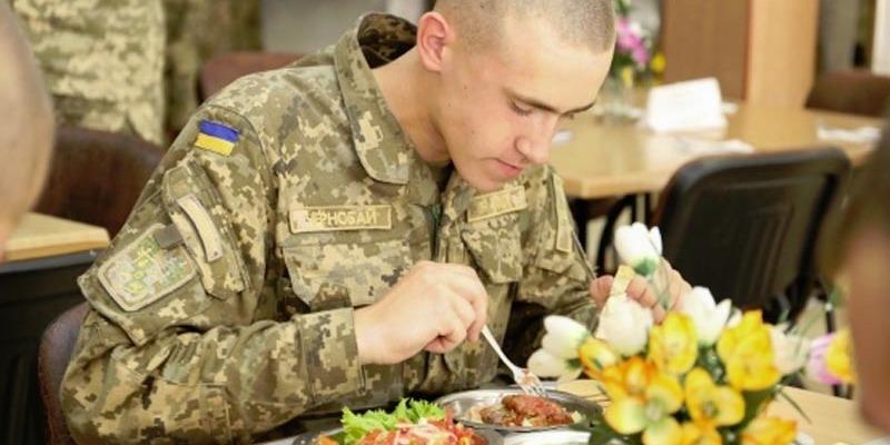 Українців закликали долучитись до контролю за якістю харчування військових