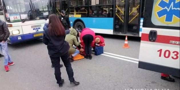 У Хмельницькому автобус збив двох дітей на переході