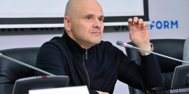 Радуцький вважає, що пачка сигарет має коштувати 200 гривень і це допоможе фінансуванню НСЗУ