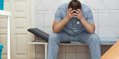 Кирило Сазонов: «З квітня цього року звільнилися трохи більше 5 тисяч лікарів спеціалізованої ланки. Лікарів з кожним роком і місяцем в Україні залишається все менше»