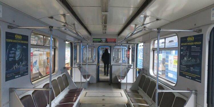 Київське метро попереджає про можливі обмеження на вхід під час локдауну