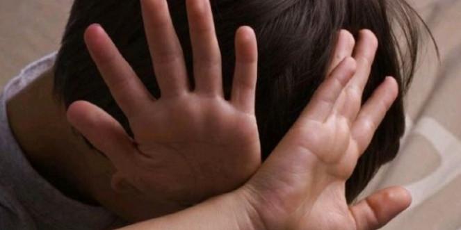 На Дніпропетровщині судитимуть банду педофілів, які 16 років ґвалтували дітей та знімали порно
