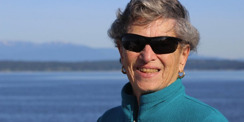 У США 90-річна жінка пройшла пішки 10 кілометрів по снігу, щоб отримати вакцину проти COVID-19