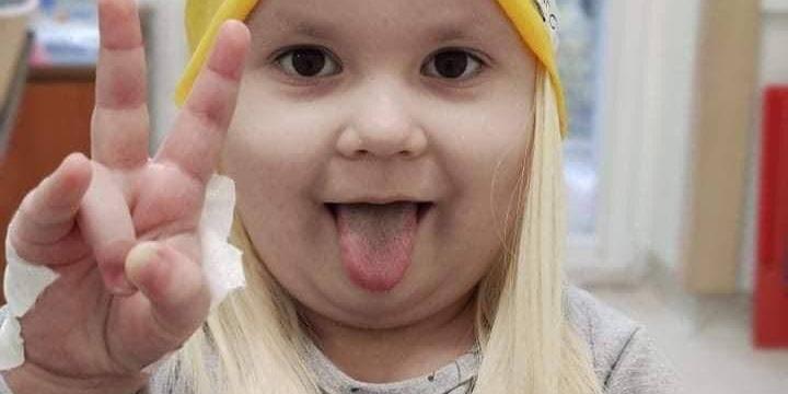 Львів'янка створила альтернативу перуці для онкоодужуючих