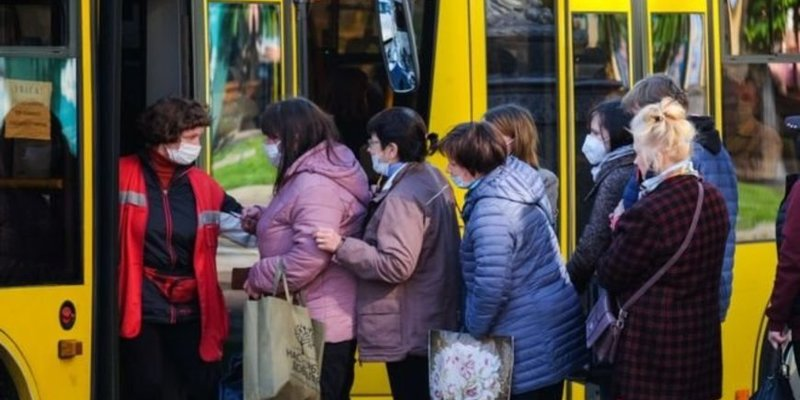 Уряд змінив правила роботи громадського транспорту в «червоній» зоні
