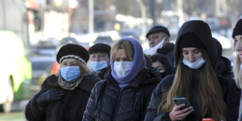 Уряд заборонив виходити на вулиці без масок у «червоних» зонах