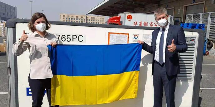Партію китайської вакцини від Sinovac відправили до України