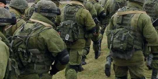 Росія перекидає на Донбас кадрових військових