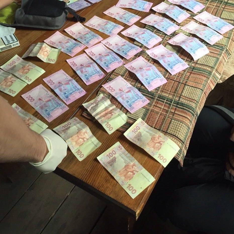 На Київщині сільський голова вимагав 14 млн грн хабара