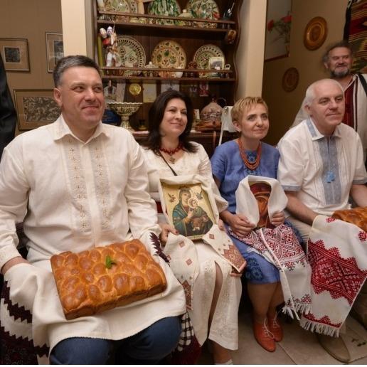 Олег Тягнибок видав доньку заміж (фото)