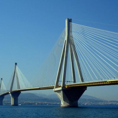 Криза наступає: Росія урізає витрати на Керченський міст