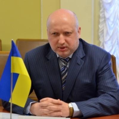 Турчинов наполягає на введенні воєнного стану і повній мобілізації
