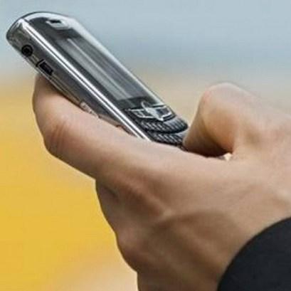 Телефонні шахраї виманили у пенсіонера 1000 доларів